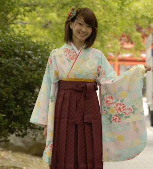 水色のアンティーク柄の卒業式袴